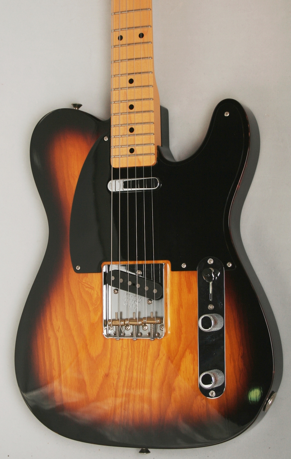 fender custom shop 39 50s light ash telecaster nos 2 tone sunburst maple. Black Bedroom Furniture Sets. Home Design Ideas