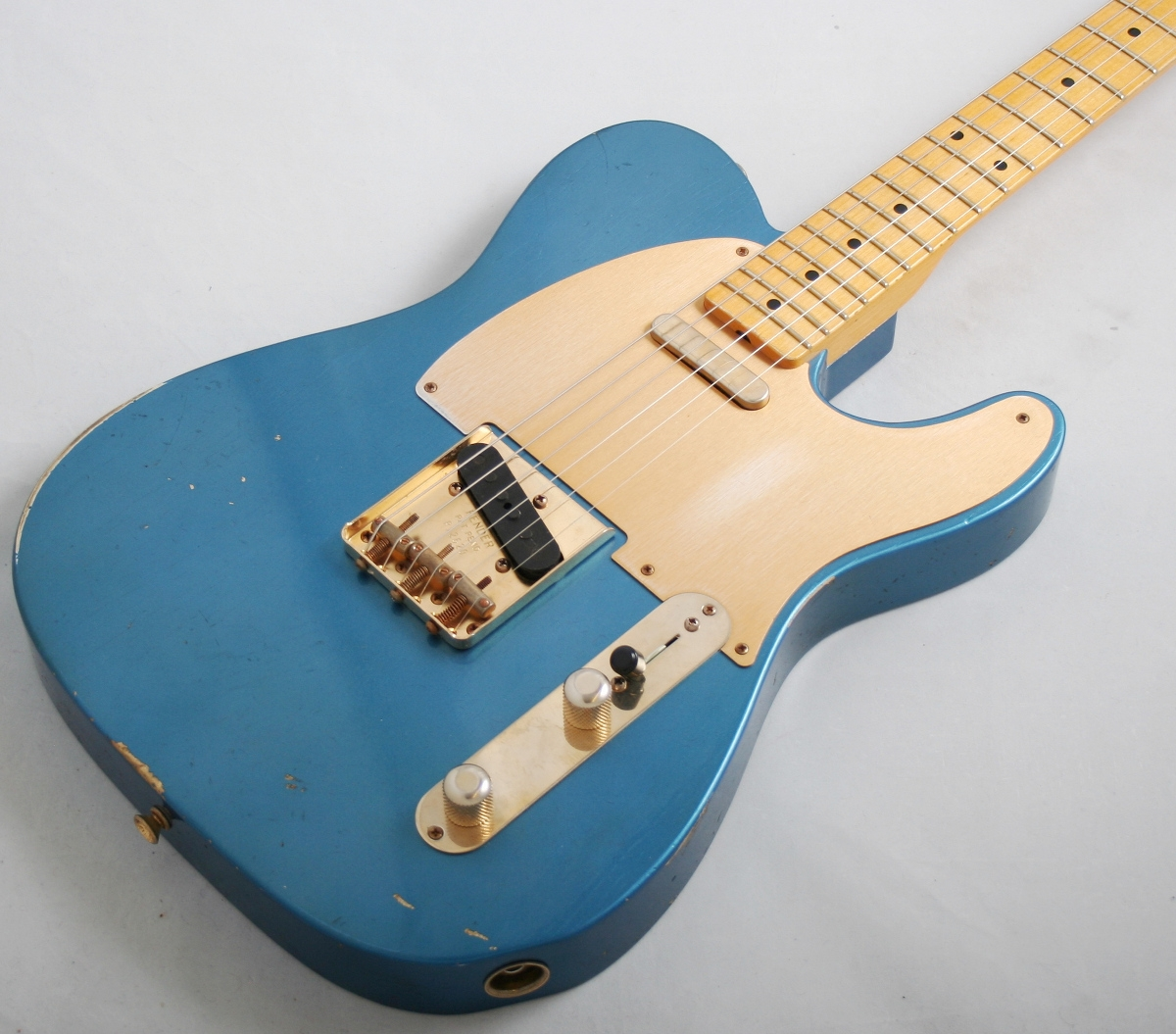 fender custom shop 39 52 telecaster relic aged lake placid blue. Black Bedroom Furniture Sets. Home Design Ideas