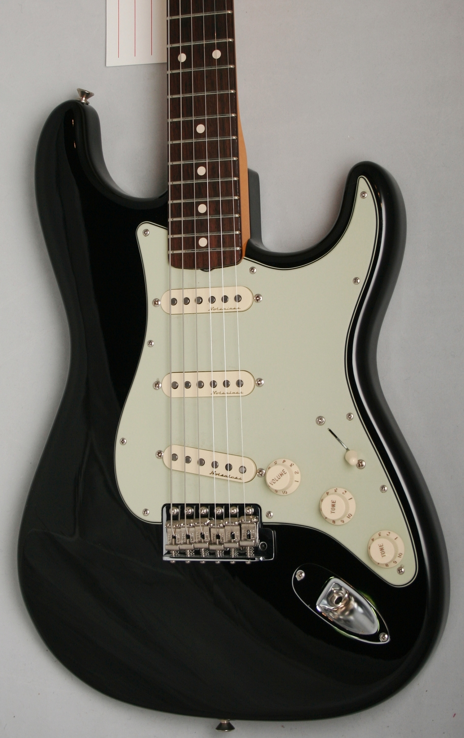 Pretty Strat Style Guitar Small Ibanez Wiring Round Dragonfire Pickups Wiring Diagram Les Paul 3 Pickup Wiring Old Dimarzio Color Code ColouredCar Alarm Installation Instructions Fender Custom Shop \u002760s Stratocaster With Clapton Electronics NOS ..