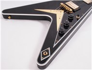 GibsonCustomLtdFlyingVCustomEbony-FrontHalf4