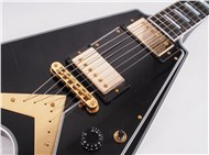 GibsonCustomLtdFlyingVCustomEbony-FrontHalf5
