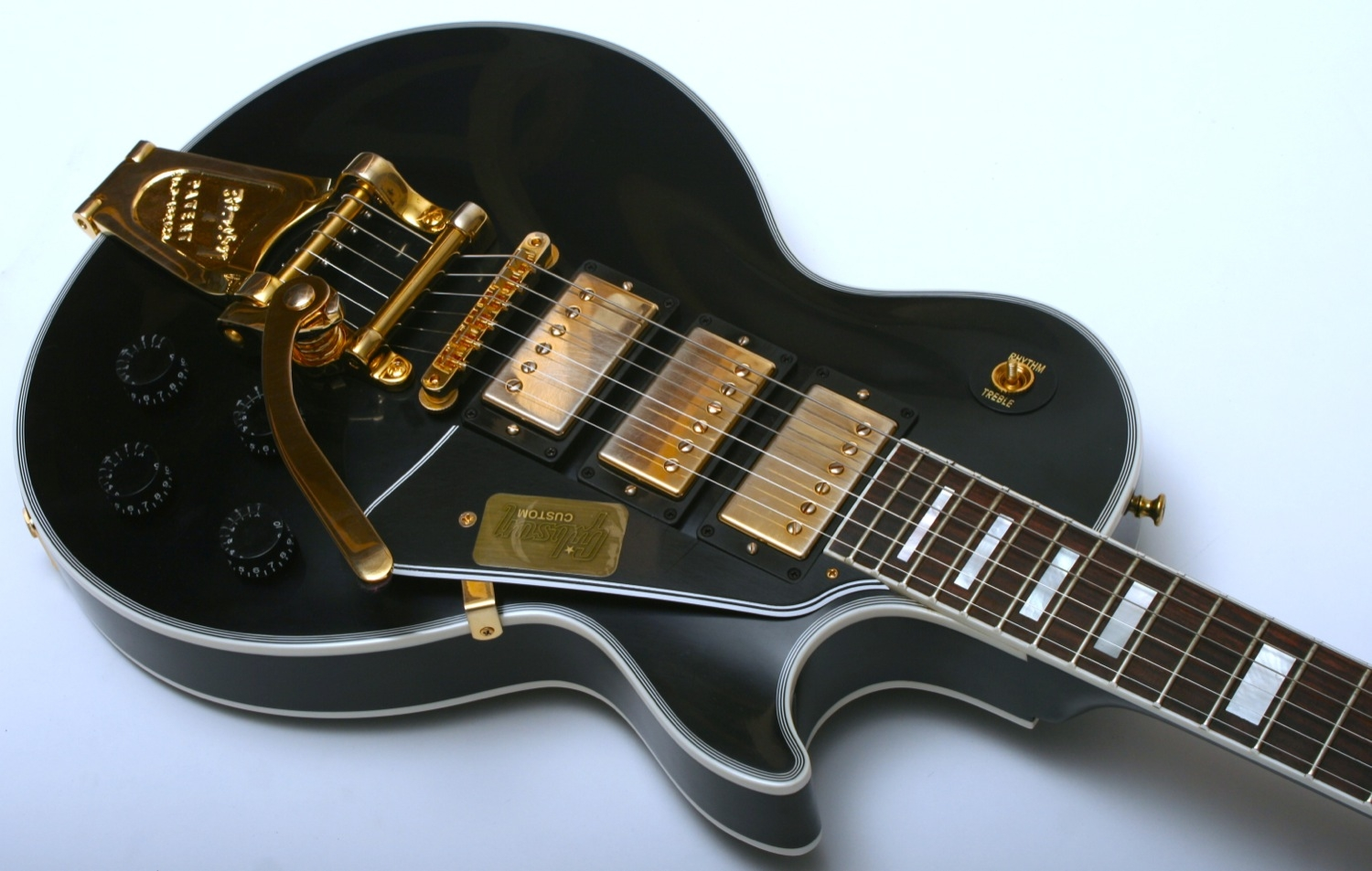 gibson custom limited les paul custom 3 pickup with bigsby vos ebony. Black Bedroom Furniture Sets. Home Design Ideas