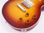 Gibson2017LesPaulSN170064952-FrontHalf3